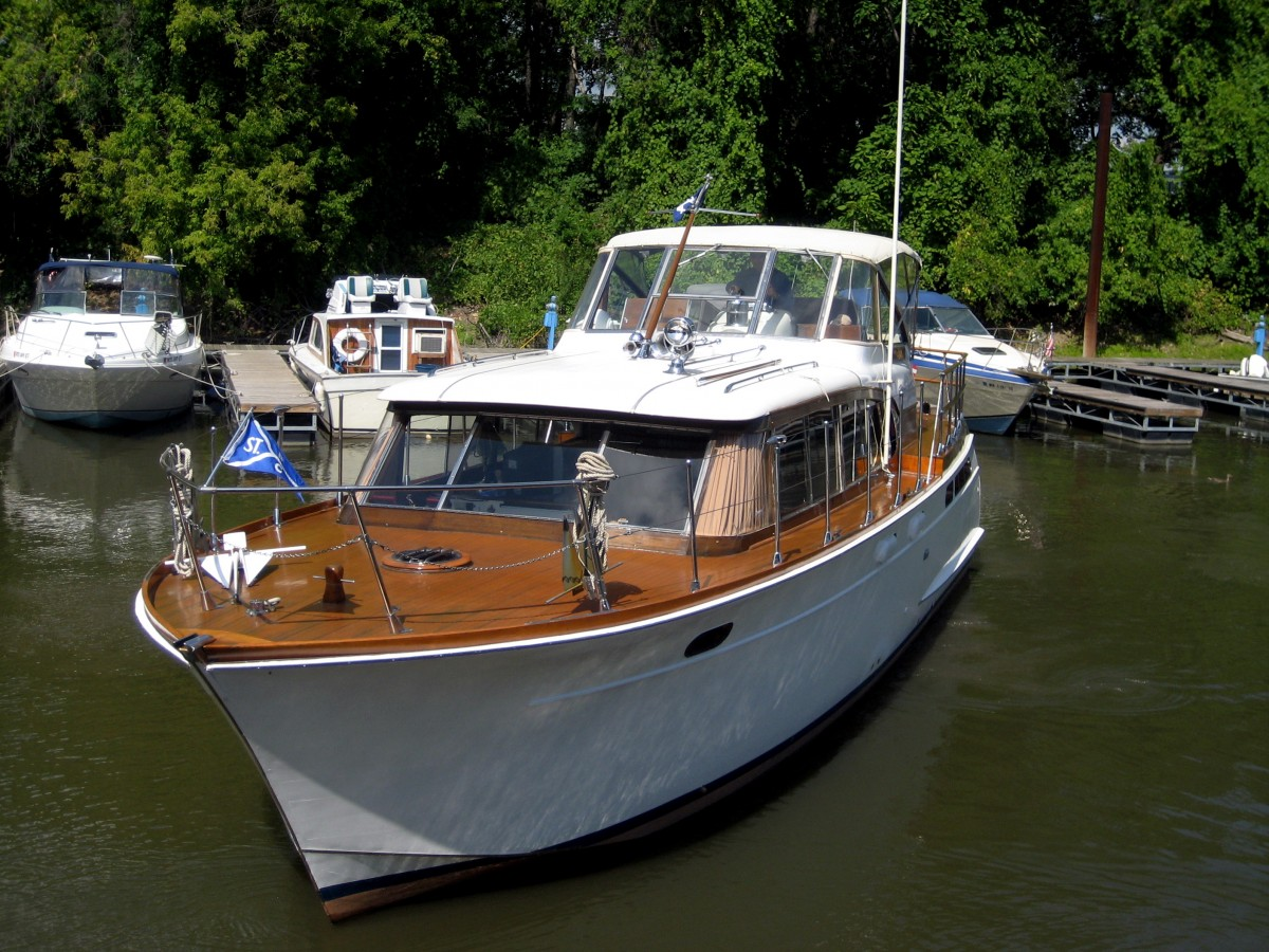 1959 42 Chris Craft Constellation 38 000 St Paul
